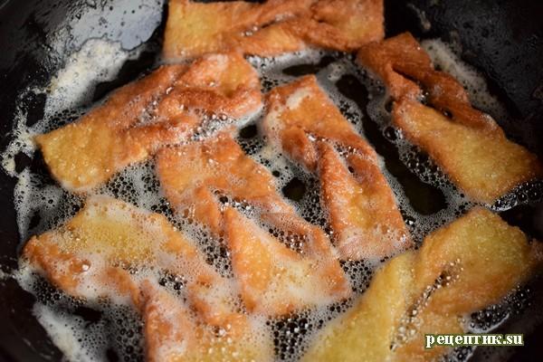 Хрустящий рассыпчатый хворост на сметане - рецепт с фото, шаг 7
