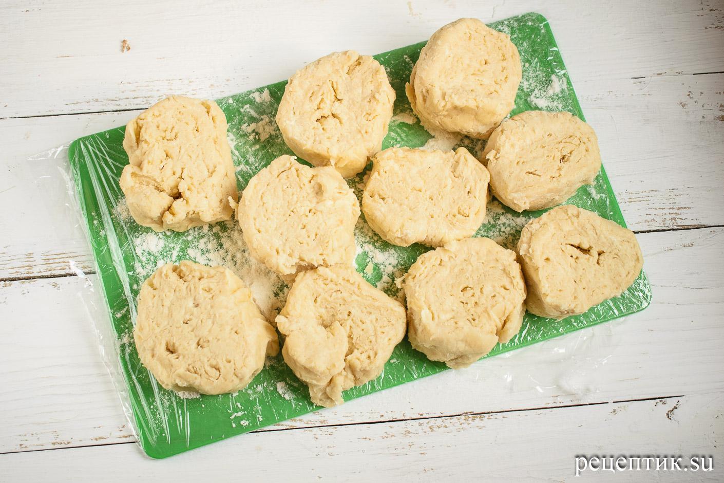 Карамельно-ореховый наполеон со сметанным кремом - рецепт с фото, шаг 10