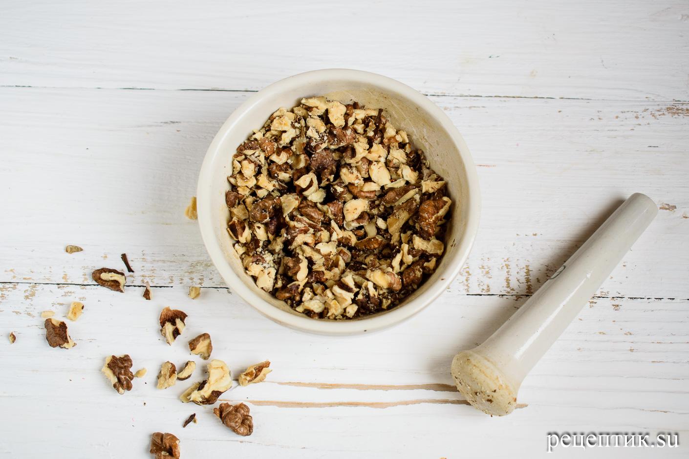 Карамельно-ореховый наполеон со сметанным кремом - рецепт с фото, шаг 20