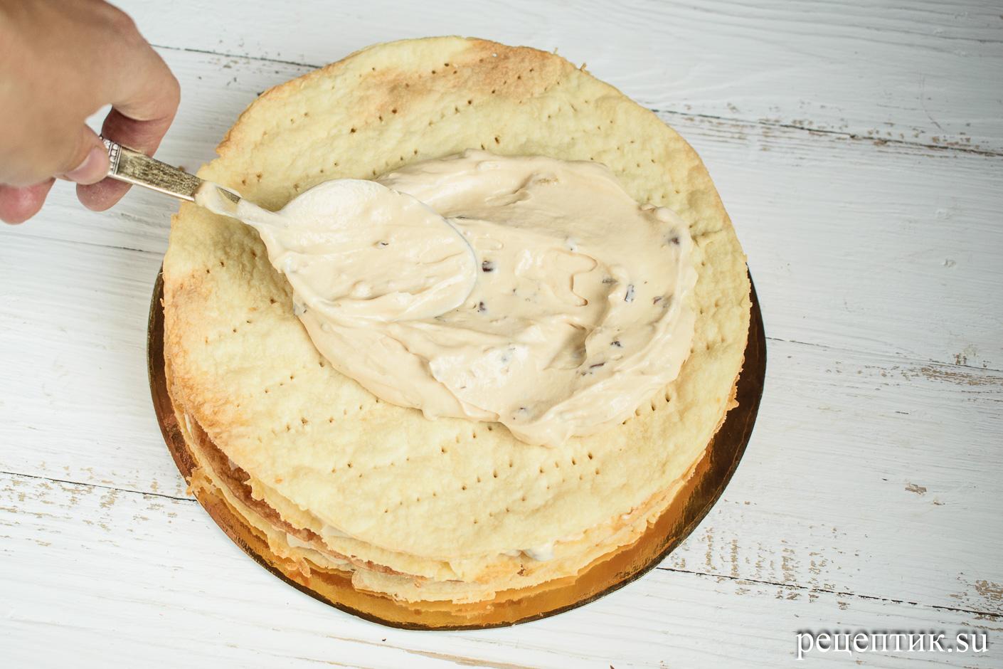 Карамельно-ореховый наполеон со сметанным кремом - рецепт с фото, шаг 23