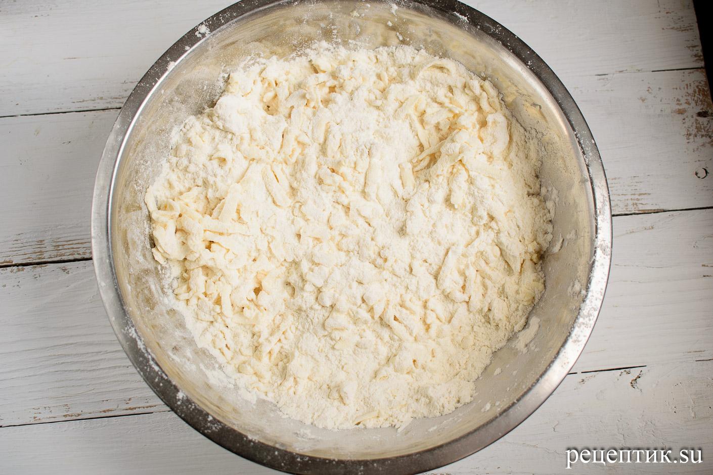Карамельно-ореховый наполеон со сметанным кремом - рецепт с фото, шаг 5