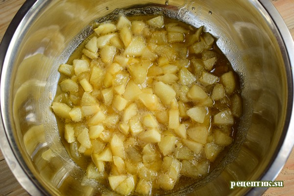 Мягкий медовик со сметанным кремом и яблоками - рецепт с фото, шаг 7