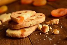 Рецепт песочного печенья с курагой