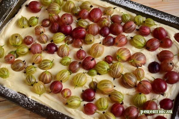 Бисквитный пирог с крыжовником и безе - рецепт с фото, шаг 7