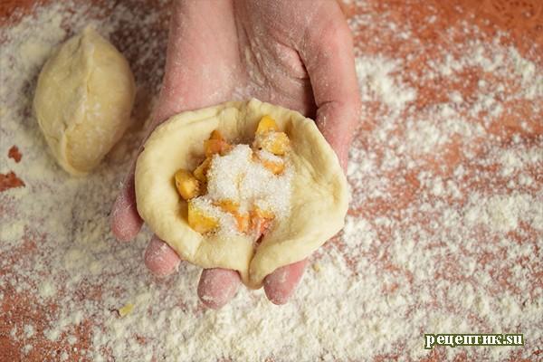 Пирожки жареные дрожжевые с абрикосами - рецепт с фото, шаг 8