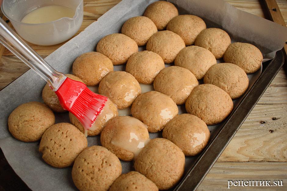 Мягкие медовые пряники с начинкой и лимонной глазурью - рецепт с фото, шаг 13