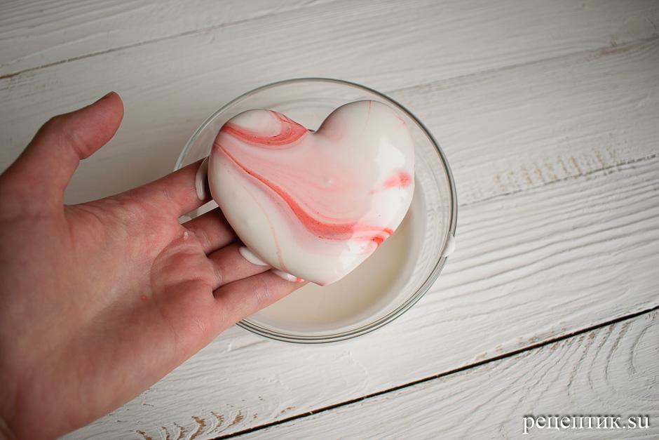 Пряники-сердечки, украшенные глазурью с разводами (мраморный эффект) - рецепт с фото, шаг 9