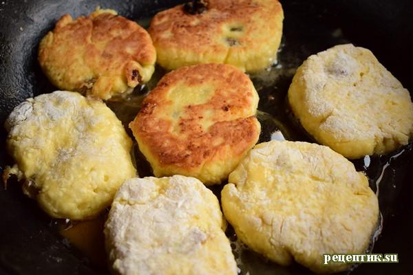 Вкусные сырники с изюмом - рецепт с фото, шаг 6