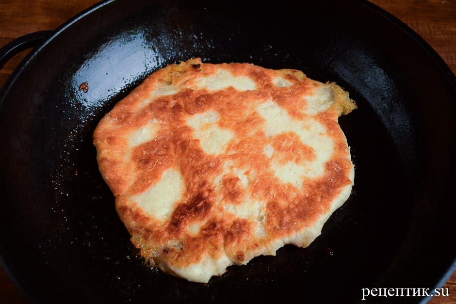 Тонкие пирожки с картошкой из дрожжевого теста - рецепт с фото, шаг 13