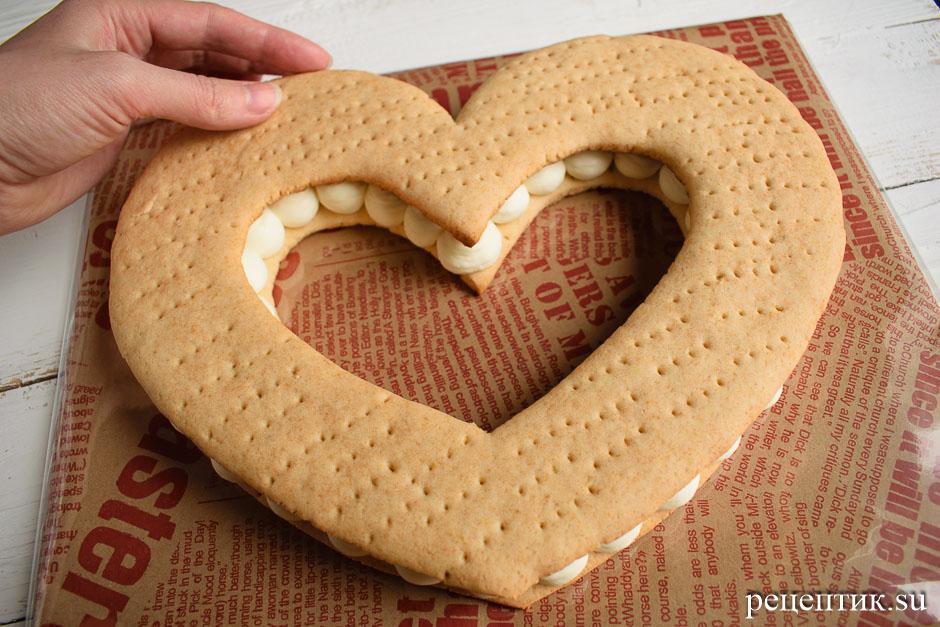 Нежный медовый торт «Сердце» с маскарпоне - рецепт с фото, шаг 12