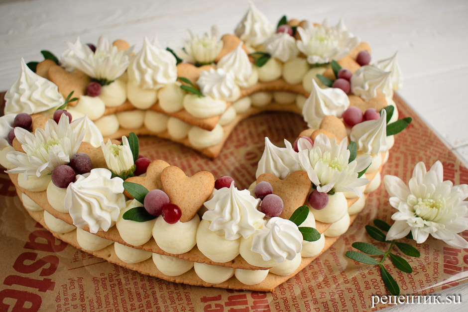 Нежный медовый торт «Сердце» с маскарпоне - рецепт с фото