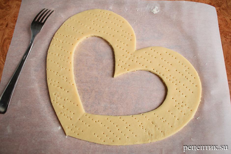 Нежный медовый торт «Сердце» с маскарпоне - рецепт с фото, шаг 6