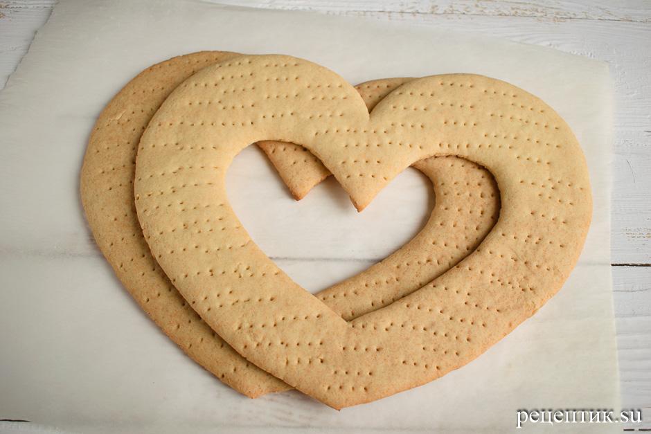 Нежный медовый торт «Сердце» с маскарпоне - рецепт с фото, шаг 7