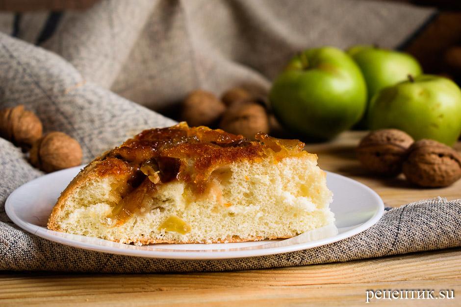 Бисквитный пирог-перевертыш с яблоками - рецепт с фото